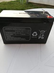 Akumulator motor