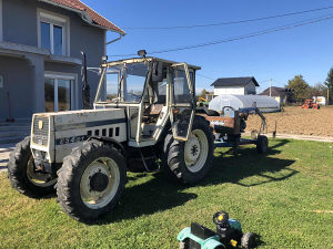 Traktor Lamborghini  sa grajferom