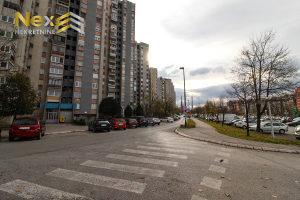 Stan Alipašino Polje/Tri spavće sobe/ 2 Sprat/RENOVIRAN