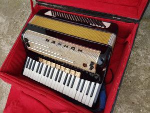 Harmonika Hohner Pirola 120 basova cetvoroglasna