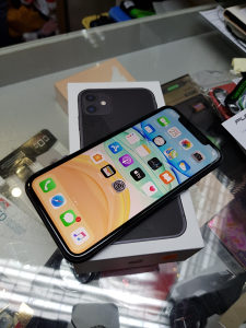 Iphone 11 64gb Space Gray kao nov full oprema