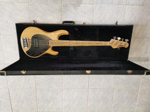 Music man Stingray bass 5
