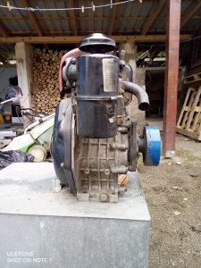 dizel motor 8 KS
