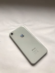IPhone 8 Silver/White 64 GB