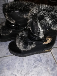 Zenske cizme 39