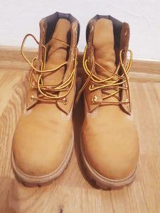 Timberland cizme br. 40 u izvrsnom stanju