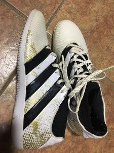 Adidas tene