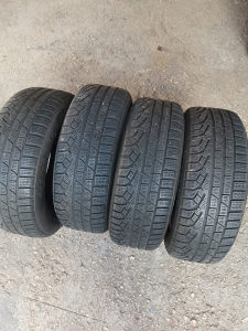 Zimske gume Pirelli 17