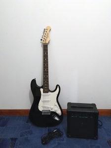 """Električna gitara """"Joy"""" sa pojačalom"""