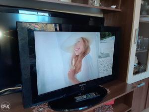 TV LCD SAMSUNG 32 INCA EXTRA STANJE ZA 125KM