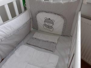 krevetic za bebe sa madracem i ogradicom