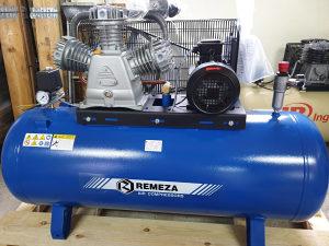 Novi industrijski klipni kompresor Remeza 5,5kW