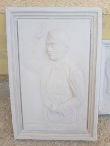 WW2 Njemačke Skulpture u reljefu A.Hitler