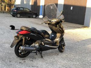 Yamaha x-max super stanje