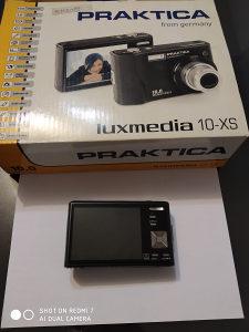 Fotoaparat digitalni