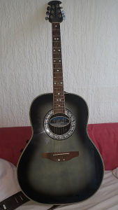 Gitara Ovation Celebrity