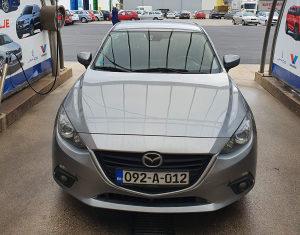 Mazda 3 limuzina 2015. kilometraža 105.000 km