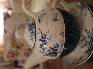 Porculanski set za čaj