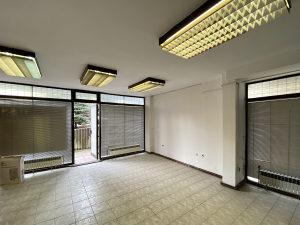 AREA/ Poslovni prostor/ Breka/ 77 m2