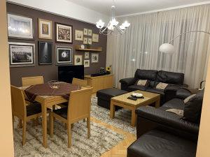 Stan sa četiri spavaće sobe u srcu Baščaršije