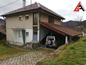 Kuća 120 m2 sa 2900 m2 okućnice - Janjići Zenica