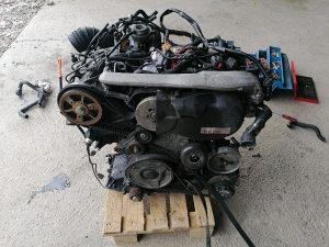 Motor Audi Passat 2.5 TDI / 132 kw AKE oznaka ekstra st