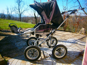 -30% Dječija kolica, 4 točka sa gumama na naduhavanje.