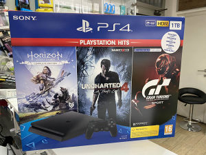 Play station 4 Slim 1TB sa 3 Igre PS4
