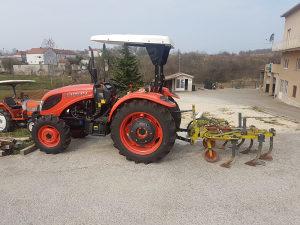 Traktori Boton