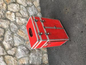 Kutija za alat na kolicima